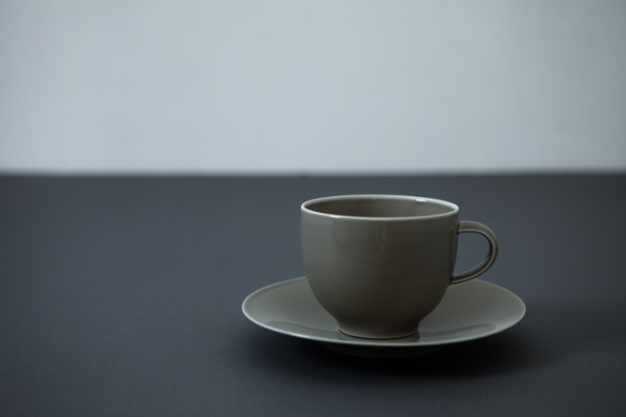 yumiko iihoshi porcelain OXYMORON II coffee cup gray
