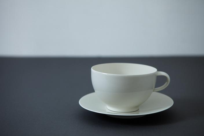 yumiko iihoshi porcelain OXYMORON II tea cup ivory