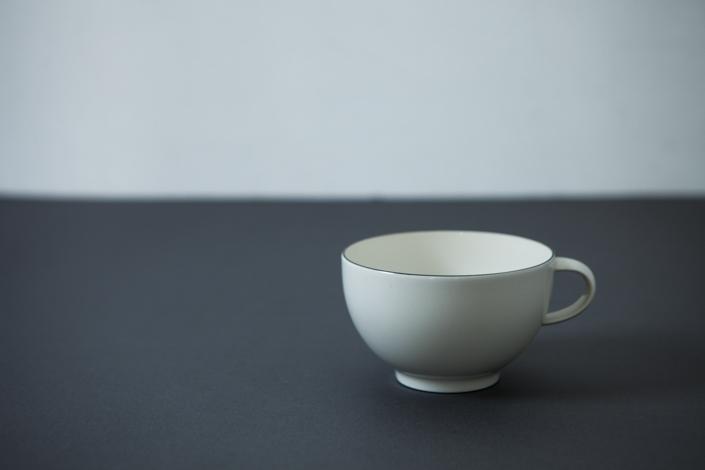 yumiko iihoshi porcelain OXYMORON II tea cup gray line