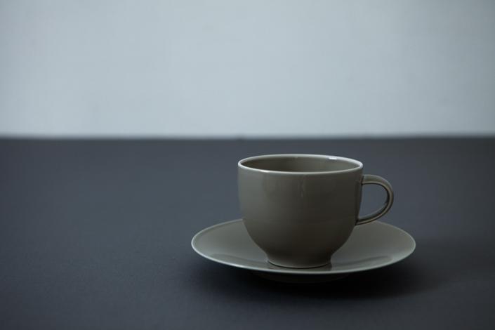 yumiko iihoshi porcelain OXYMORON II soucer gray