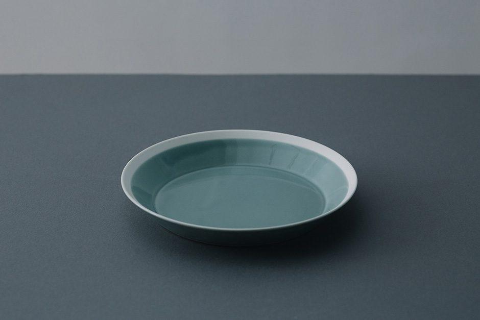 yumiko iihoshi porcelain dishes plate pistachio green