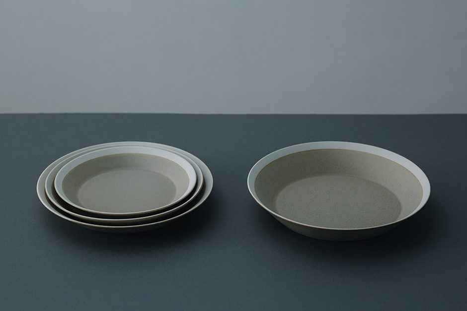 yumiko iihoshi porcelain dishes plate sand beige / matte