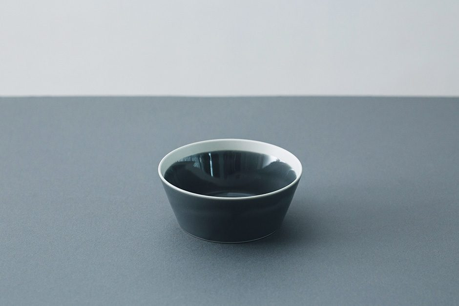 yumiko iihoshi porcelain dishes bowl fog gray