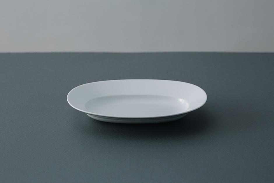 yumiko iihoshi porcelain Oval plate lily white
