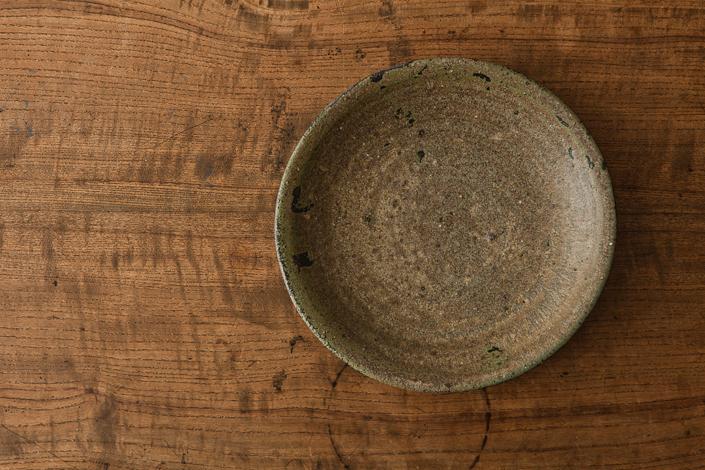 広川絵麻 6寸リム皿 黒