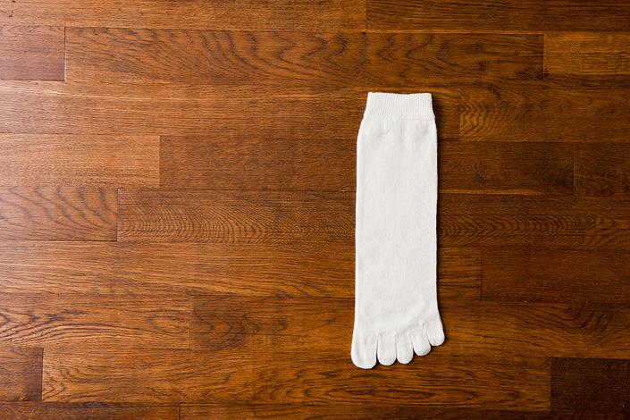 うさぎの会 絹くずまゆ5本指靴下