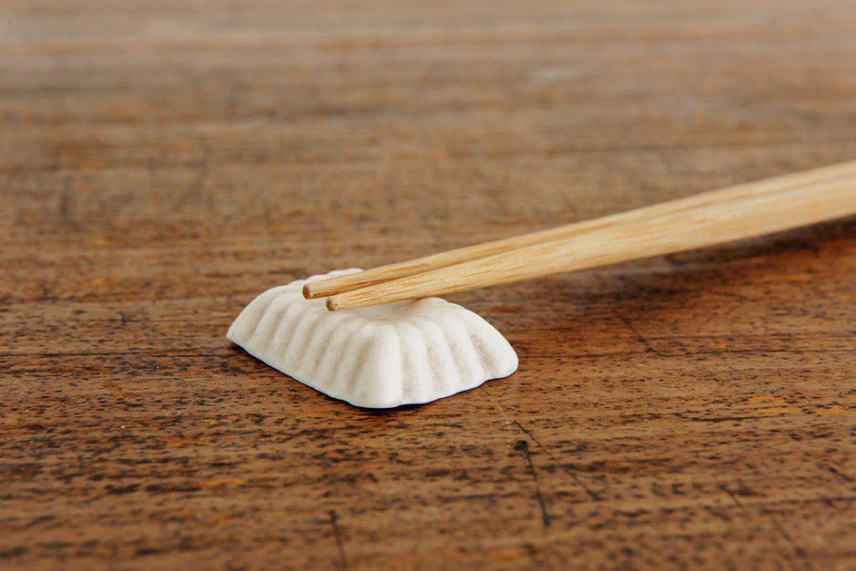 加藤かずみ 箸置き 正方形 アイボリー