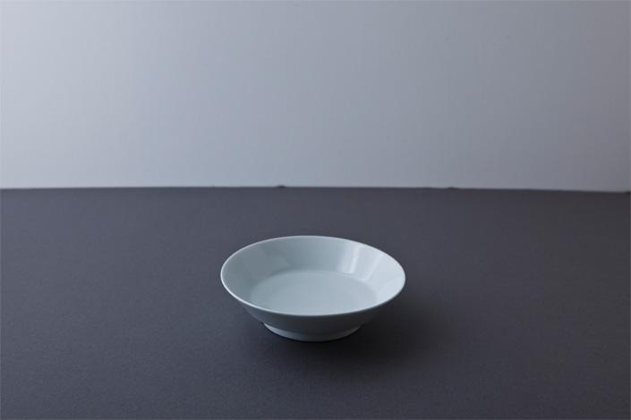 "yumiko iihoshi porcelain ""with 4"" 12 plate white"