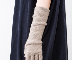 CINQ 指なし手袋 マッシュルームブラウン