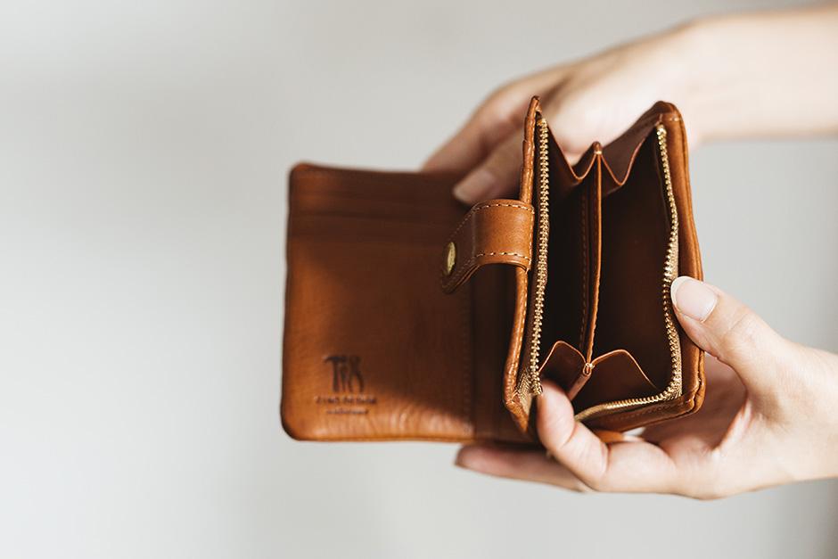 CINQ 二つ折り財布