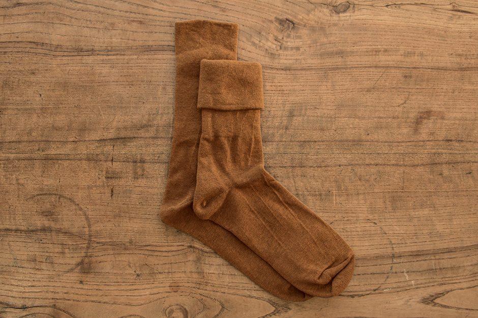 F/style ゴムが入っていない、ズレ落ちずしめつけない靴下 ブラウン