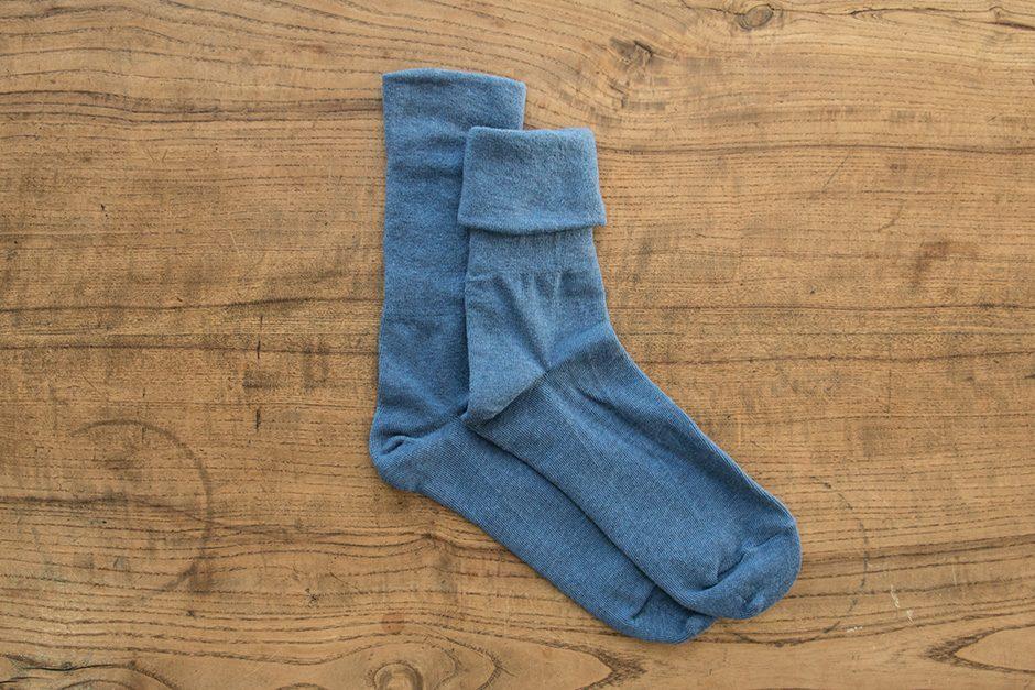 F/style ゴムが入っていない、ズレ落ちずしめつけない靴下 ライトブルー