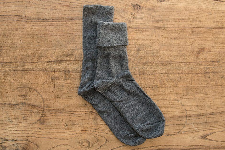 F/style ゴムが入っていない、ズレ落ちずしめつけない靴下 チャコールグレー