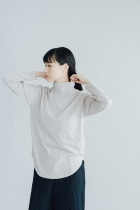 GALERIE TISSU Rui Battis オーガニック モックネックプルオーバー