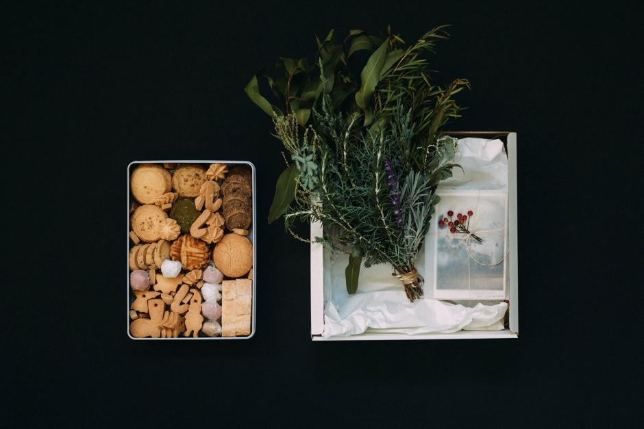 【12月5日販売開始】 Bion ボックス A (クッキー缶 / ハーブ束 / ポストカードセット)