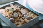 【12月8日販売開始】Bion クリスマスBOX B(Bion クッキー缶 / おおがファーム ハーブのブーケ / 山折典子 ケーキ / mitsukoji ジャム)