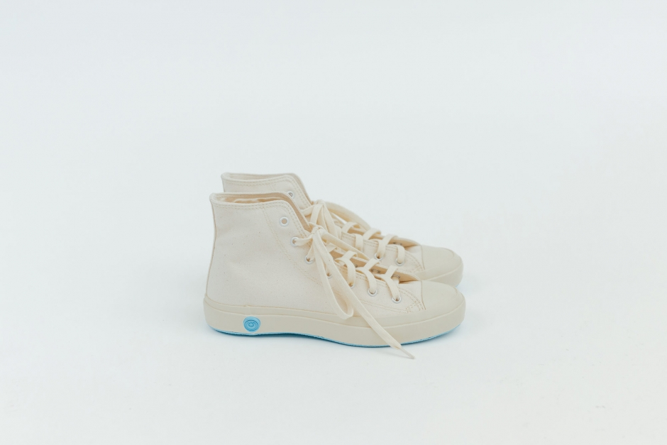 SHOES LIKE POTTERY  HI WHITE