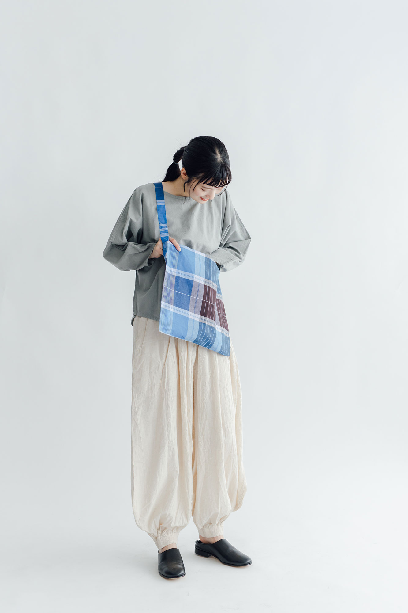 miiThaaii ヴァサント ワンハンドルトート(カラーアソート)