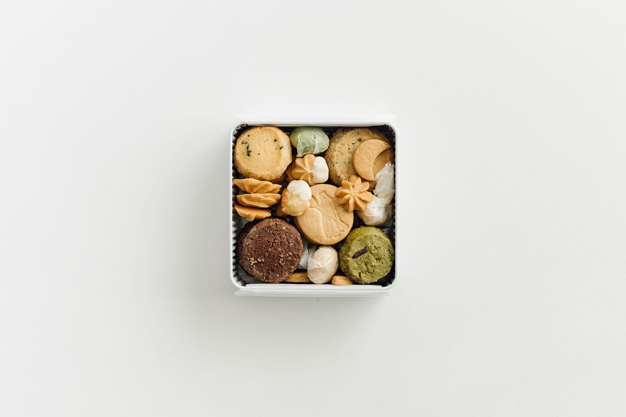 【7月10日発送】 Bionさんの季節のお届け便 summer B(クッキー缶 / シロップ / スコーン / コーヒーバッグ)
