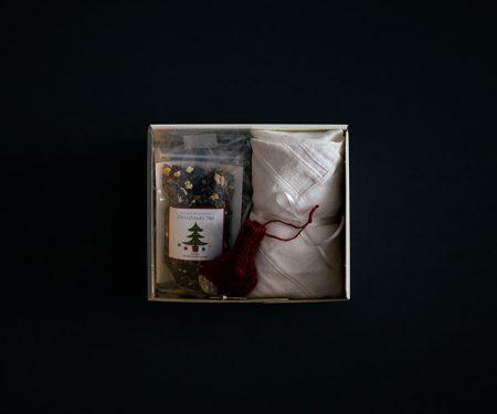 【11月26日販売開始】 Adansonia クリスマスBOX B (Adansonia シュトレン / ナイーフ 飾りくつ下 / Tateshina HERBAL NOTE simples クリスマスティー )