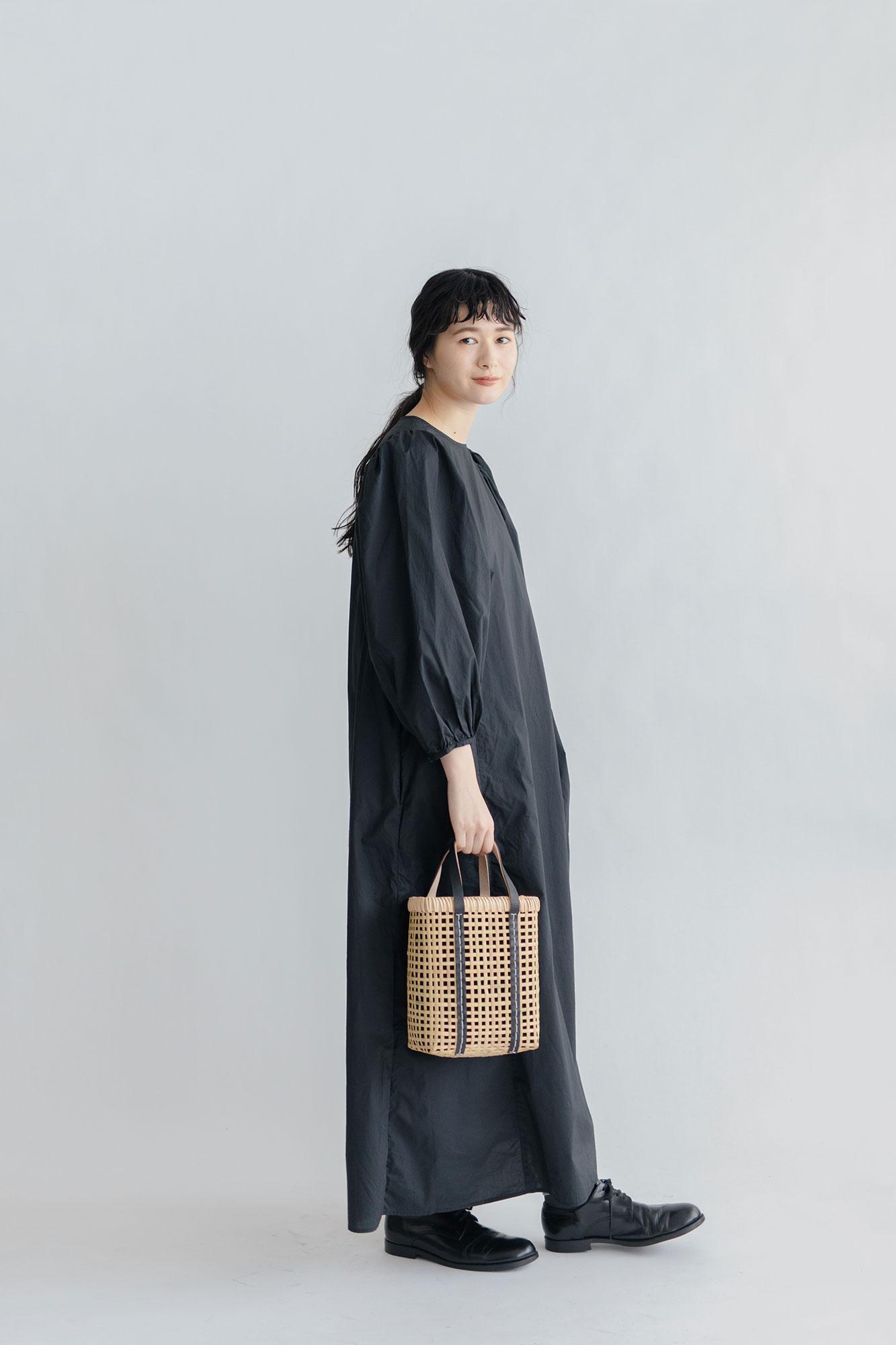 warang wayan ami ami 四角バスケット 黒(S)