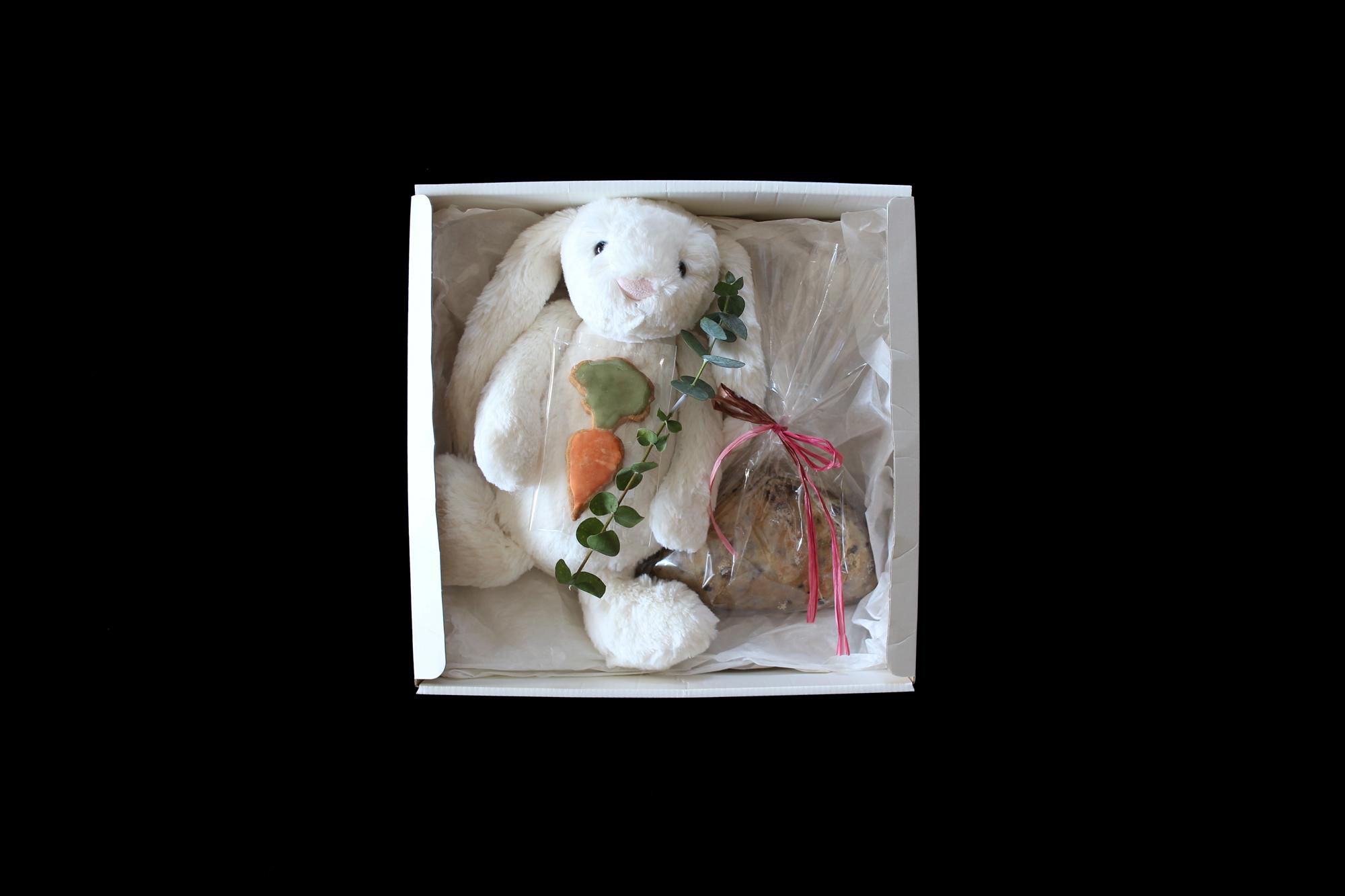 【ご予約のキャンセルがでています】かるべけいこ BOX B(かるべけいこ シュトレン / Jelly cat うさぎ / くらすこと にんじんクッキー)