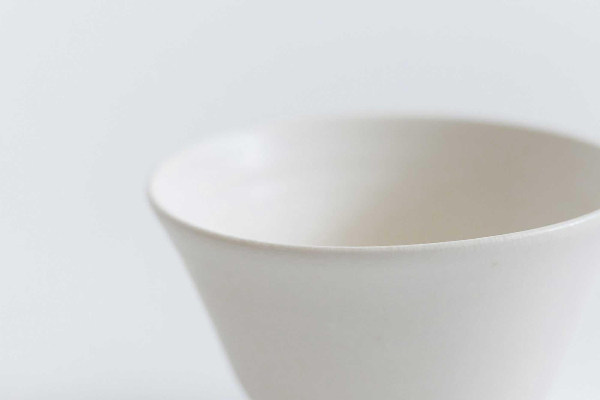 CANASA 白貫入釉高台碗