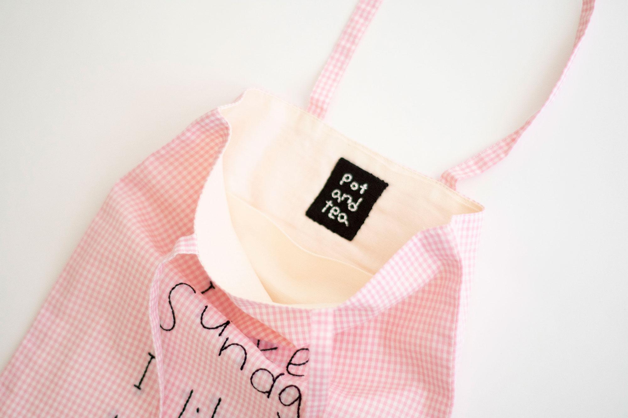 pot and tea チェック柄ハンドル刺繍バッグ